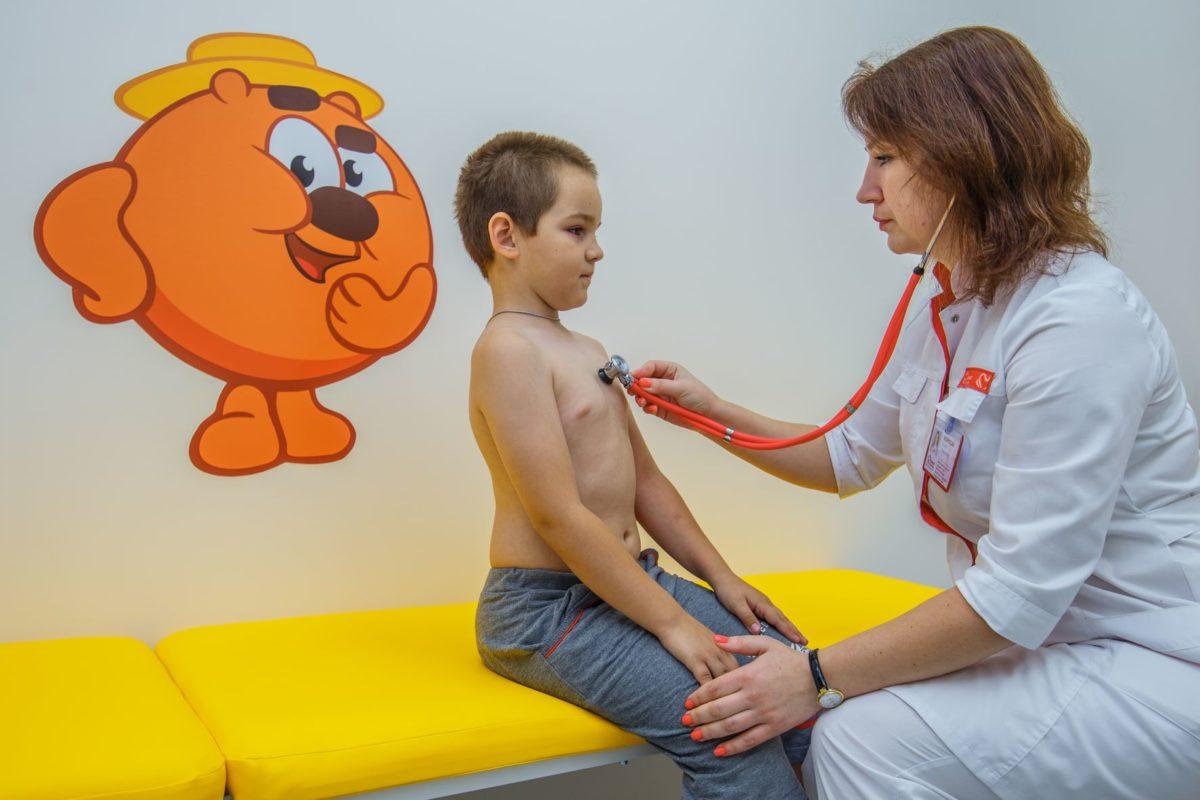 В школу и детский сад – с медкартой