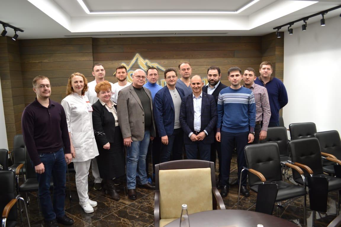 Профессор Сафар Исраилович Гамидов отметил передовое оснащение отделения хирургии Центра семейной медицины «Олимп Здоровья»